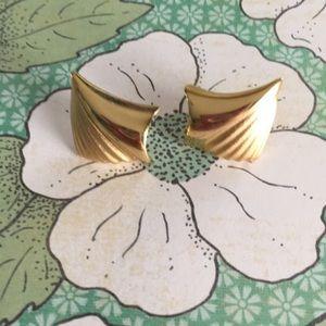 🌸3for$15 Vintage Gold Earrings